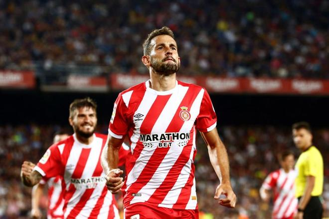 Stuani celebra un gol con el Girona esta temporada.