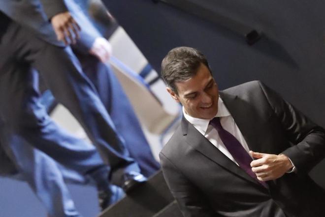 El presidente del Gobierno, Pedro Sánchez, a su llegada hoy a la...