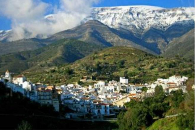 Sedella, un pequeño pueblo de la Axarquía malagueña de 634...