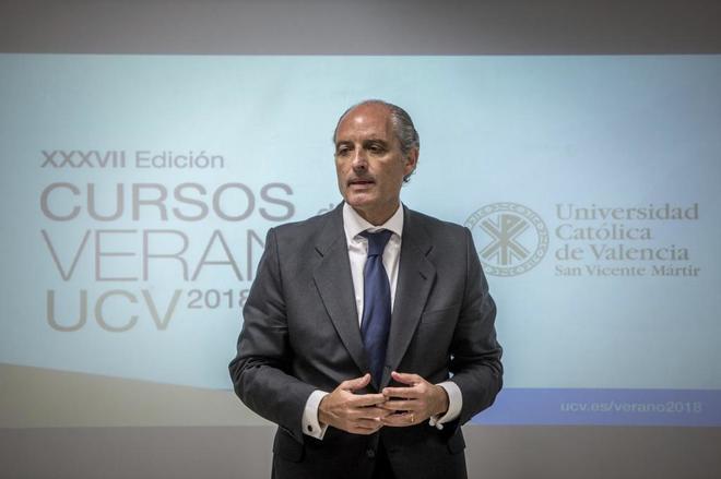 El ex presidente de la Comunidad Valenciana Francisco Camps, en unos cursos de verano.