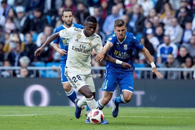 Vinicius y Asensio, musical copero en el Bernabéu