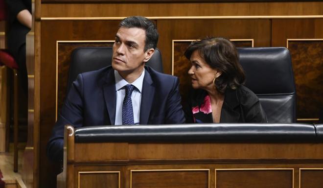 El presidente del Gobierno, Pedro Sánchez, y la vicepresidenta,...