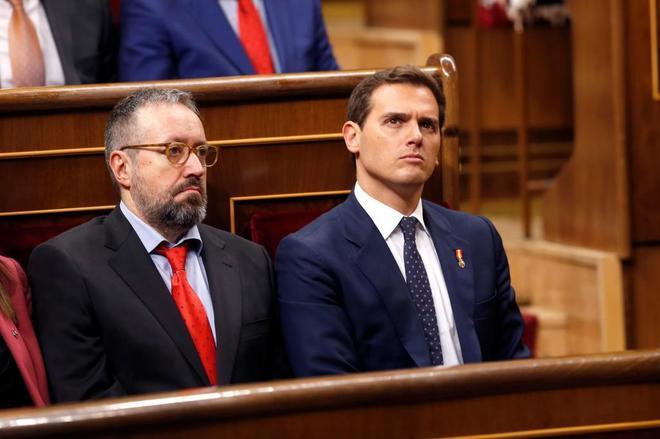 Juan Carlos Girauta y Albert Rivera, en el hemiciclo del Congreso de...