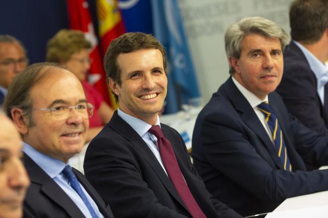 Pio García-Escudero, Pablo Casado y Ángel Garrido en una reunión del PP de Madrid.