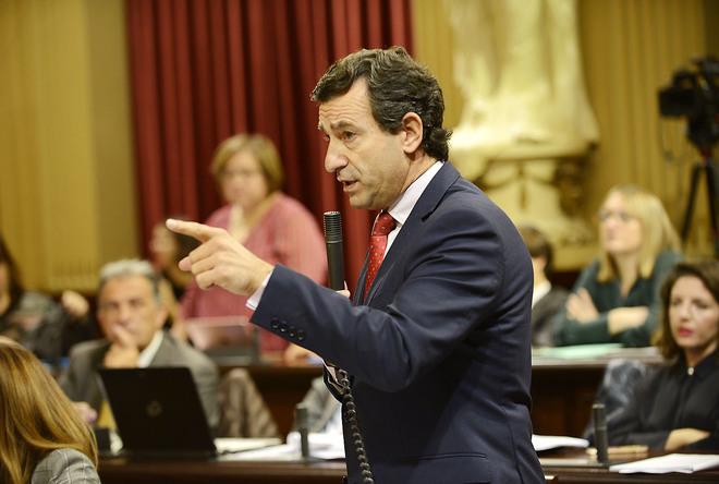 El presidente del PP balear, Biel Company, el pasado martes durante una de sus intervenciones en el Parlament.
