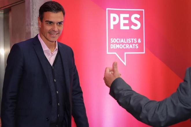 El presidente del Gobierno, Pedro Sánchez, durante el congreso de los...