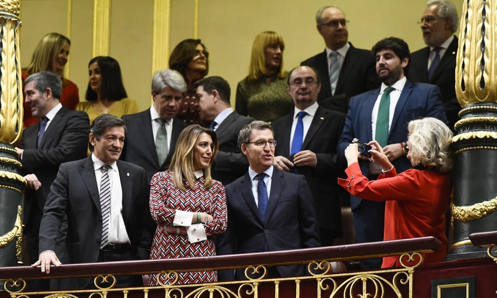 Susana Díaz, entre los presidentes de Asturias, Javier Fernández, y...