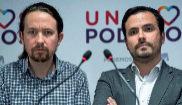 Los secretarios generales de Podemos e IU, Pablo Iglesias y Alberto...