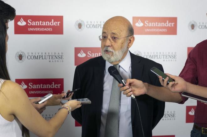 José Félix Tezanos, presidente del Centro de Investigaciones...