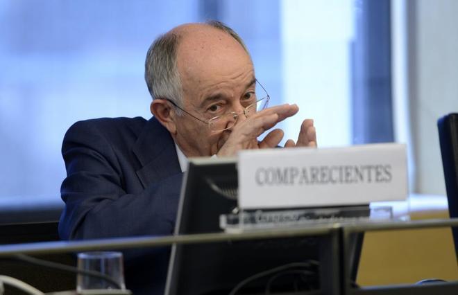 Miguel Ángel Fernández Ordóñez, ex gobernador del Banco de España, en el Congreso.