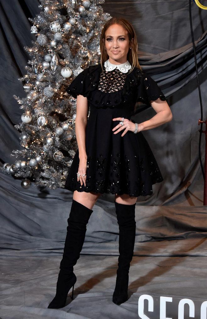 Jennifer Lopez Recupera El Vestido Baby Doll Y Lo Renueva