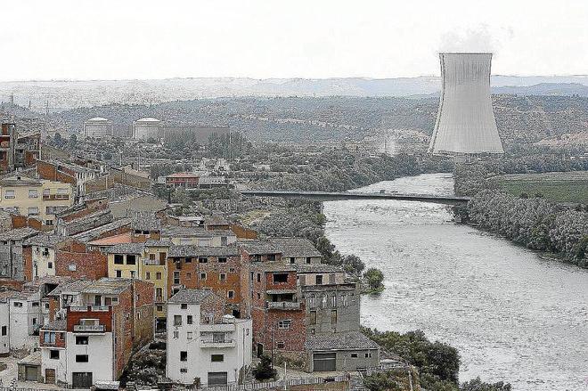Imagen de archivo de la central nuclear de Ascó, en Tarragona.