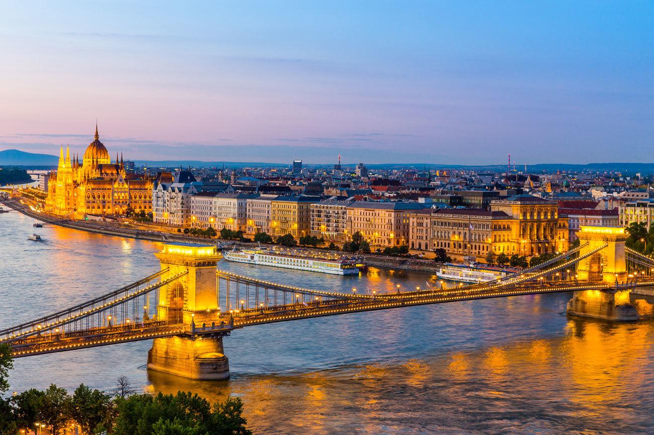 Budapest (Hungría) está considerada como una de las ciudades más...