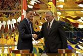 Pedro Sánchez durante su reunión con el presidente cubano Miguel...