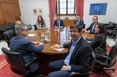 Los equipos negociadores de PP y Ciudadanos, encabezados por los...