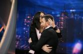 Laura Pausini abraza a Pablo Motos en El Hormiguero