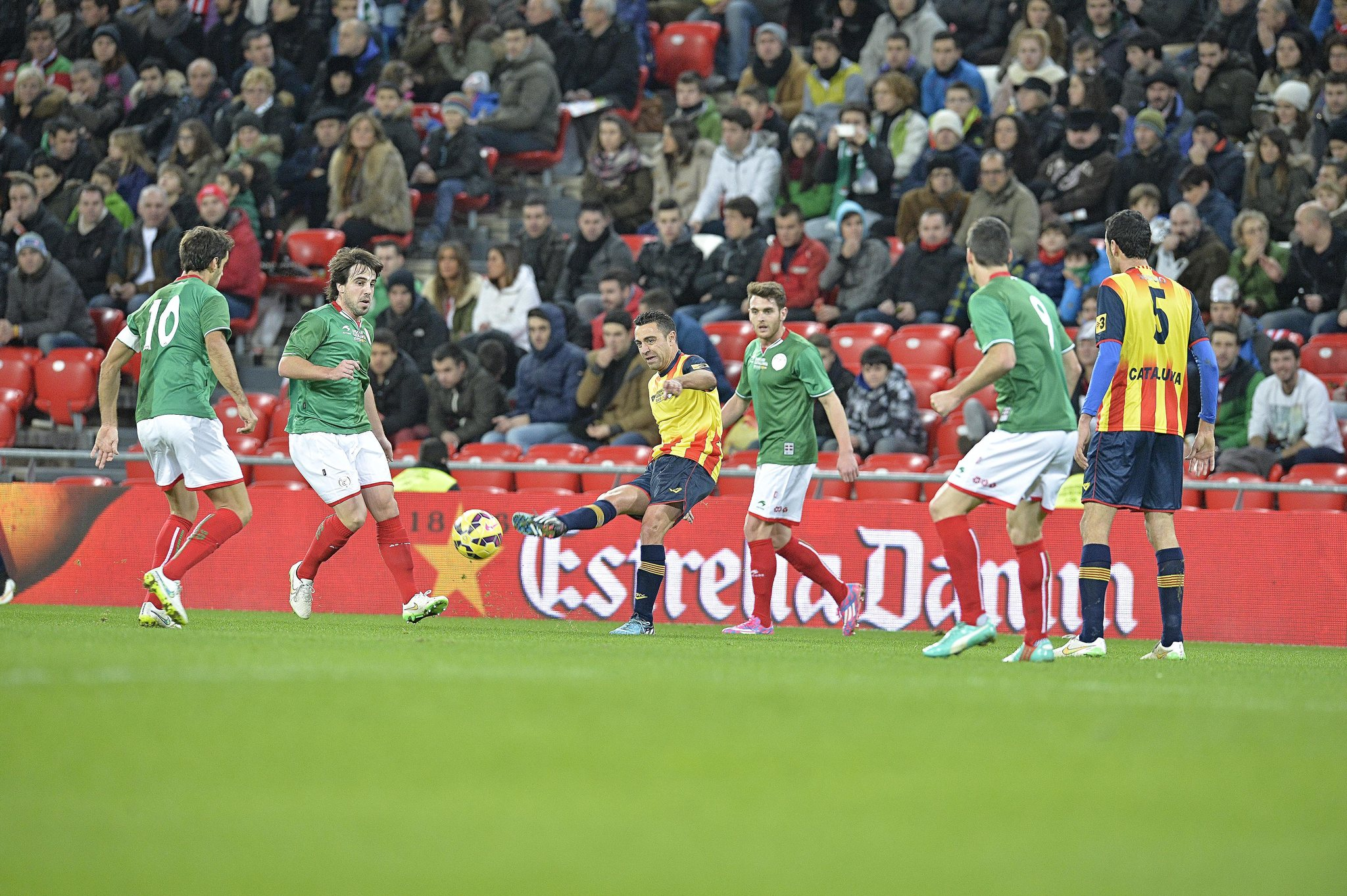 Un partido de la selección de Euskadi con la de Cataluña en 2014.