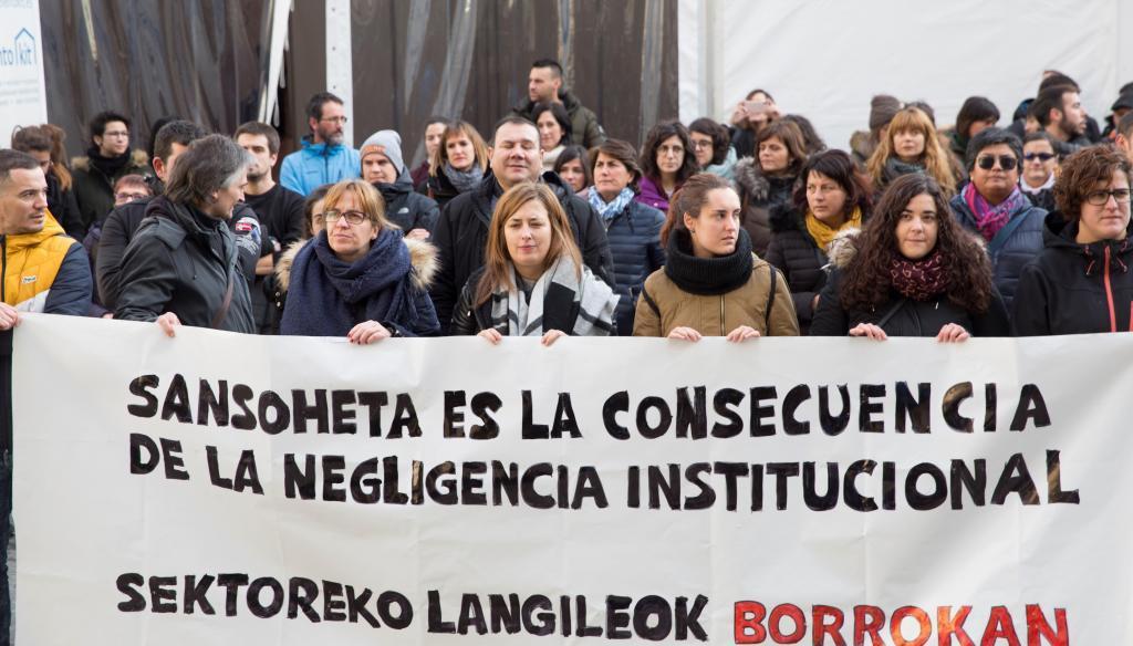 Manifestación de trabajadores de intervención social en solidaridad con Sansoheta.