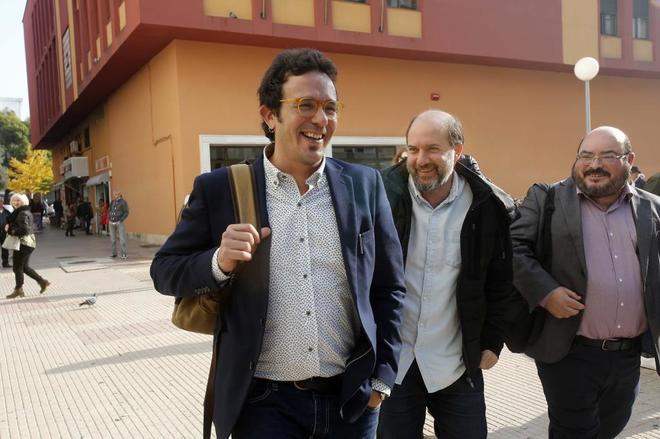 El alcalde de Cádiz, José María González 'Kichi', a su llegada a...