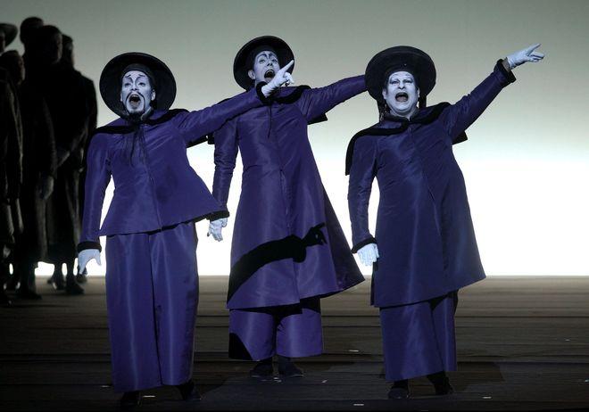 Las cuentas del Teatro Real: tres millones de euros más en taquilla, 9.352 euros de superávit y más subvenciones de Manuela Carmena