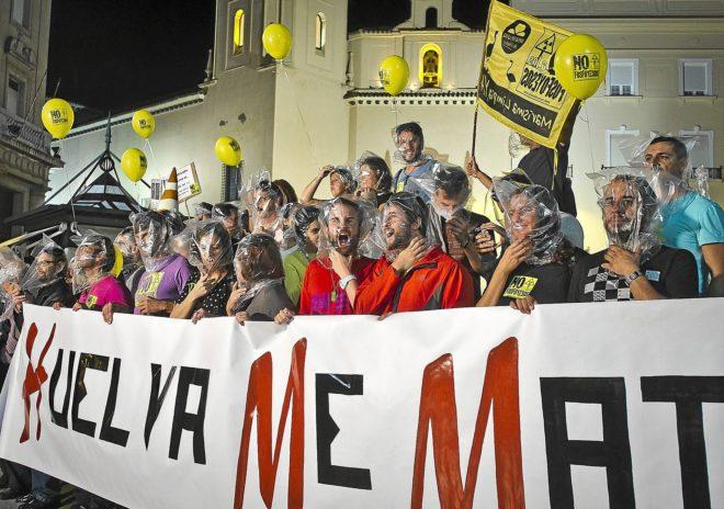 """Manifestación organizada por la """"Mesa de la Ría"""" en contra de los..."""