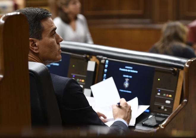 El presidente del Gobierno, Pedro Sánchez, durante el Pleno del Congreso de los Diputados dedicado a informar sobre la situación política en Cataluña.