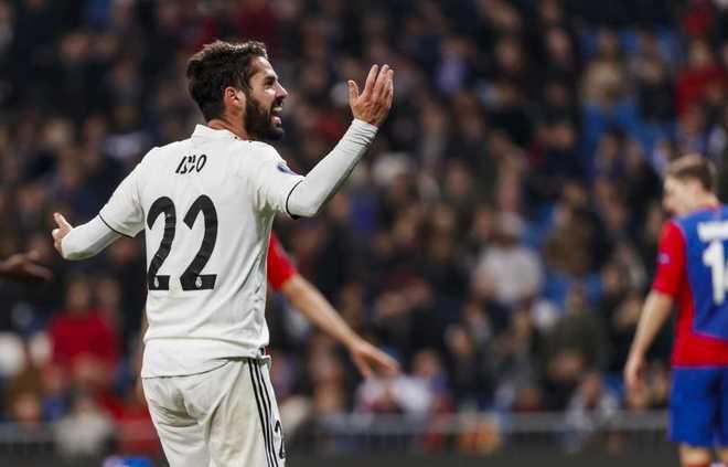Real Madrid - CSKA (0-3)  Isco se encara con el Bernabéu