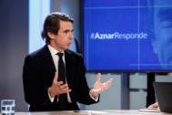 El ex presidente del Gobierno y del PP, José María Aznar, en el plató de EL MUNDO.