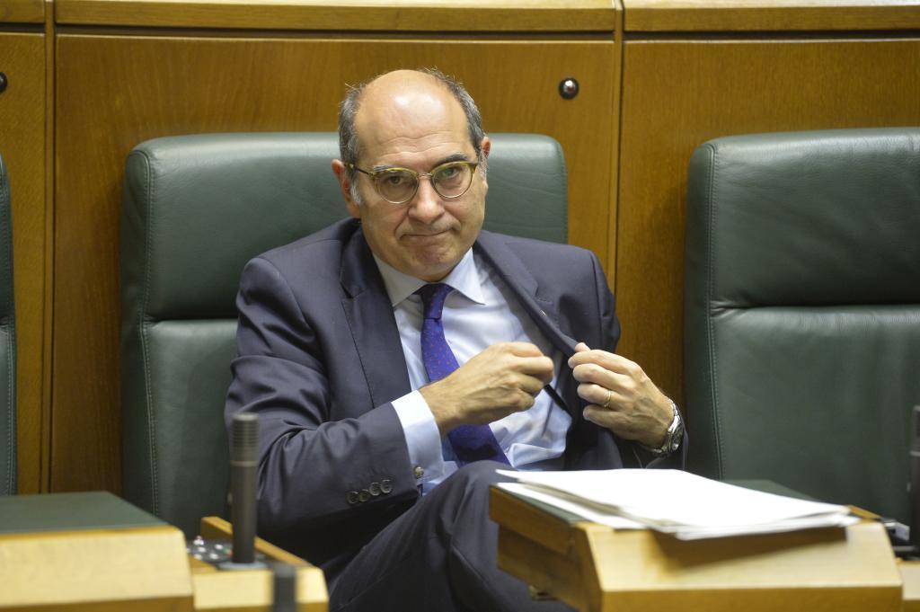 Jon Darpón, en el Parlamento Vasco.