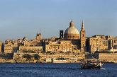 La gran cúpula de la iglesia de los <strong>Carmelitas,</strong>...