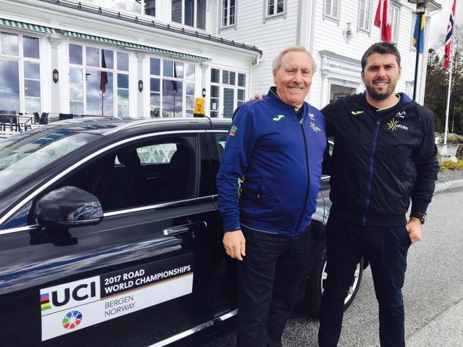 Javier Mínguez (izda.) y Pascual Momparler, durante el Mundial de ciclismo en Bergen  en 2017.