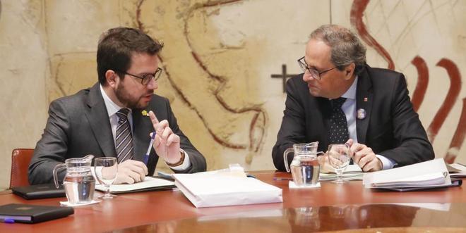 .El president Quim Torra y el  vicepresidente Pere Aragonès en la reunión del Govern.