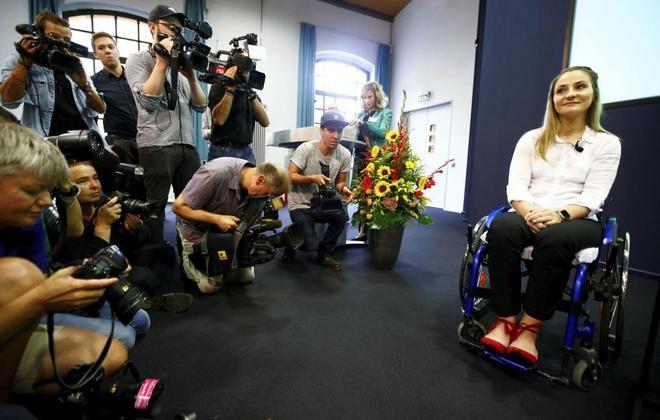 Kristina Vogel, durante su primera rueda de prensa tras  el accidente.