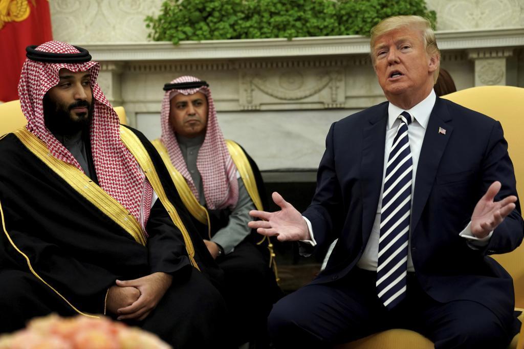 El heredero saudí, Mohamed Bin Salman, junto a Donald Trump, durante su visita a Washington een el mes de marzo.