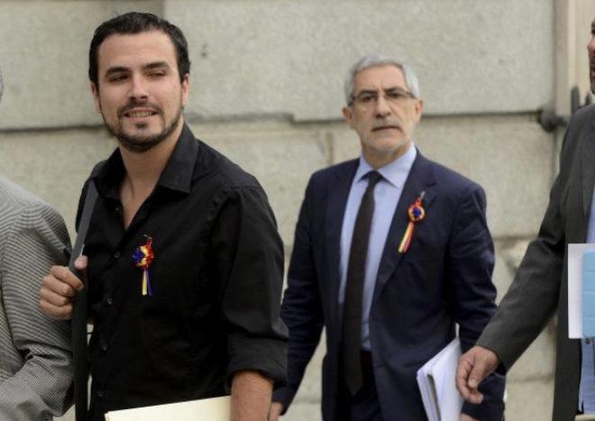 Alberto Garzón y Gaspar Llamazares, en una imagen de 2014, cuando ambos eran diputados en el Congreso.