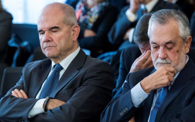 Manuel Chaves y José Antonio Griñán, durante la última sesión del juicio de los ERE este lunes.