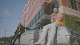 Fotograma del videoclip de Amanece