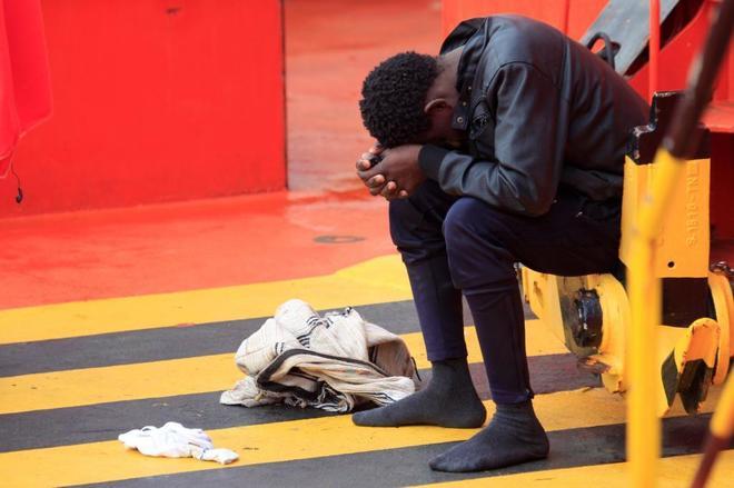 Uno de los inmigrantes rescatados por Salvamento Marítimo en el Estrecho.