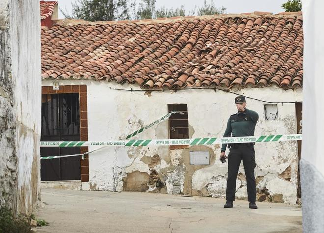 La Guardia Civil investiga el crimen de Huelva.