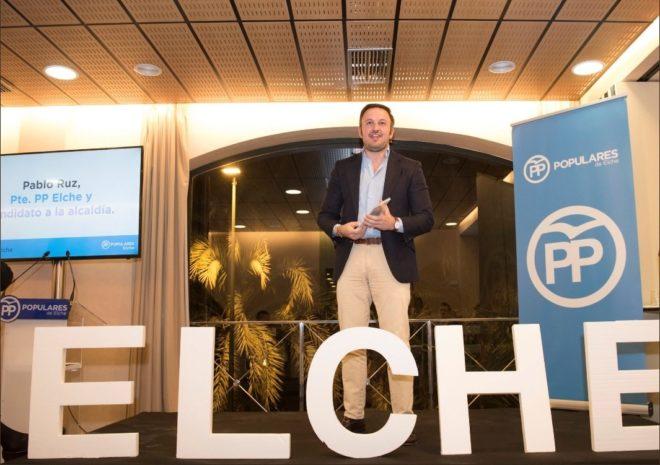 Pablo Ruz en la presentación d e su plan de ciudad de cara a las elecciones.