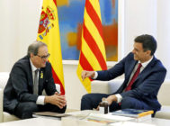 El presidente del Gobierno, Pedro Sánchez, recibe en La Moncloa al president de la Generalitat, Quim Torra, en julio.