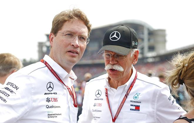 Ola Kallenius (izquierda), junto a Dieter Zetsche.