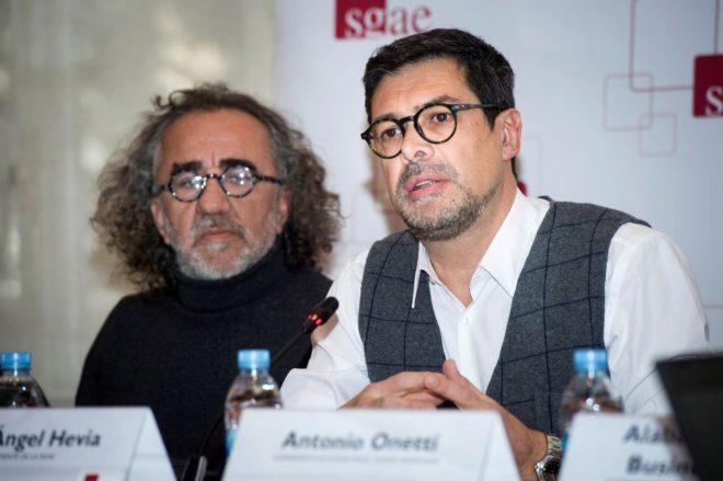 Teo Cardalda y José Ángel Hevia, este miércoles durante la rueda de prensa de la dirección de SGAE.