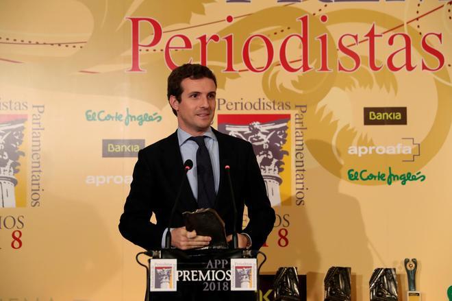 El presidente del Partido Popular, Pablo Casado, tras recibir el...