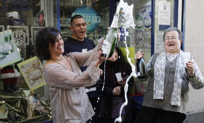 Las ventas de Lotería de Navidad por internet aumentan respecto a las...