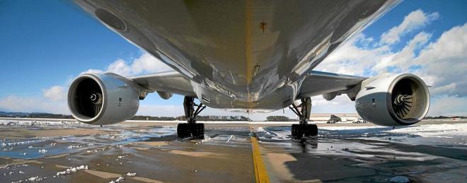 Sánchez planea imponer a las aerolíneas una cuota verde pionera del 2% en el uso de biocarburantes