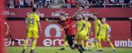 Raíllo levanta los brazos para celebrar el gol de la victoria ante el Cádiz, en el partido jugado en Son Moix el pasado mes de septiembre.