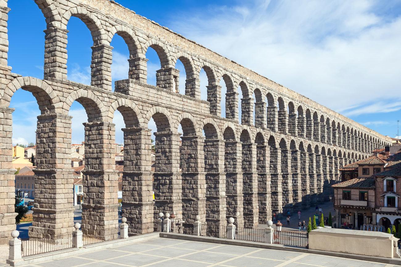 Es la obra de ingeniería civil romana más importante de España....