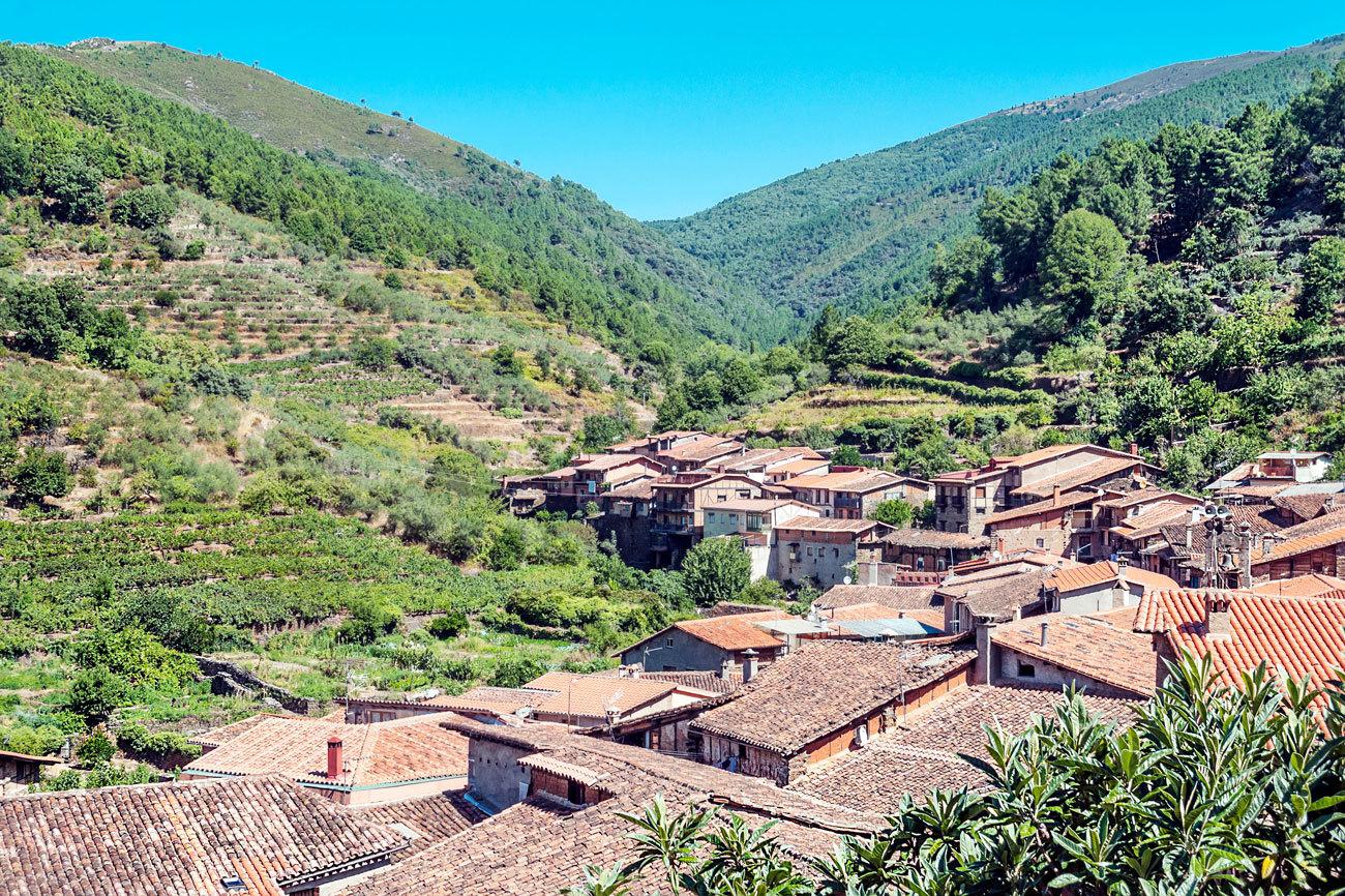 El primer puesto lo conquista Robledillo de Gata, un pequeño pueblo...
