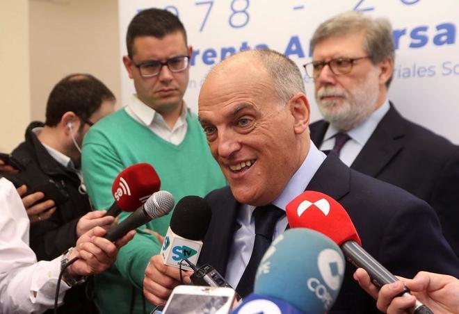Javier Tebas atiende a los medios, en un acto reciente en Soria.